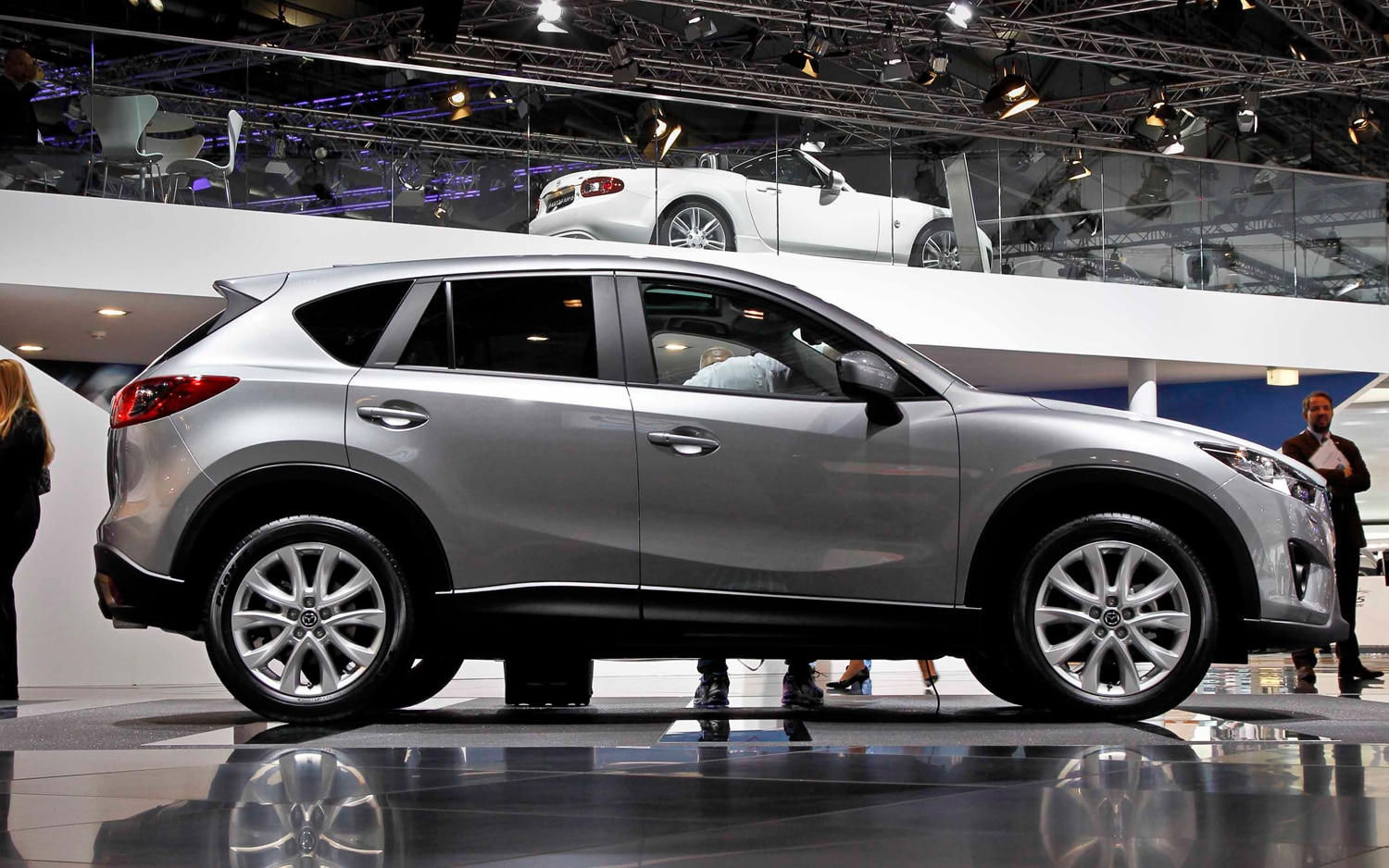 https://st.automobilemag.com/uploads/sites/11/2011/08/2013-Mazda-CX-5-Prototype-side-view.jpg