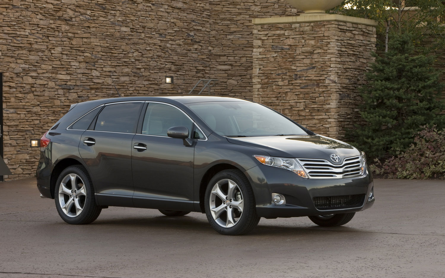 2012 Toyota Venza Receives New Trim Level Strategy