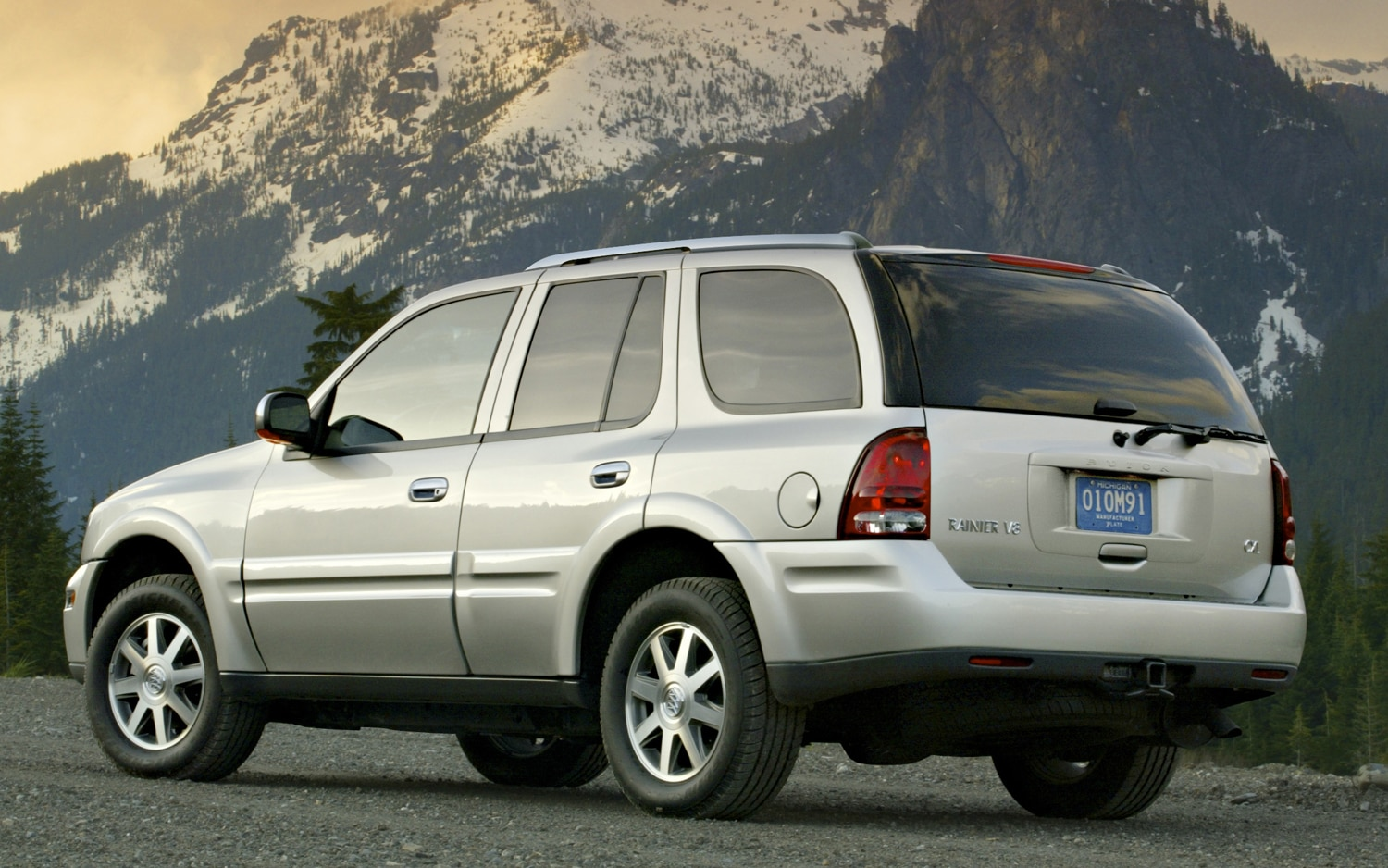 GM Agrees to Pay for Faulty Gas Gauges in Buick Rainier ...
