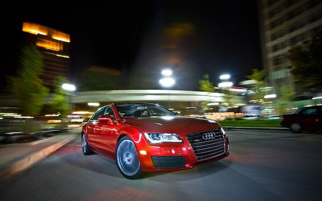 Audi A7 Front Right View1