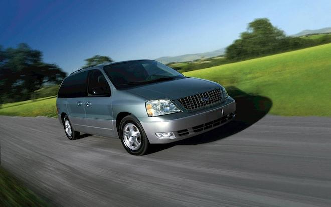 2004 Ford Freestar Minivan Front Three Quarter1