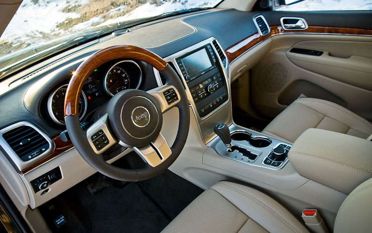 Jeep Grand Cherokee Overland X Front Interior