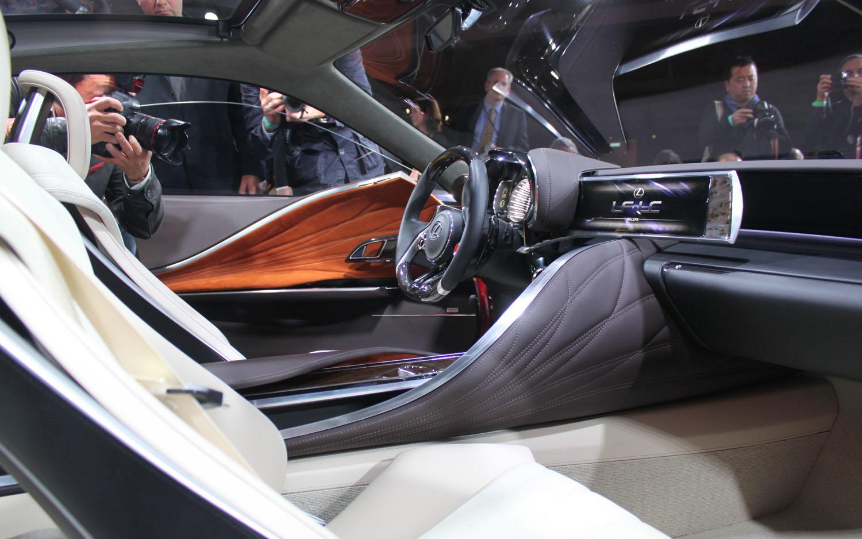 https://st.automobilemag.com/uploads/sites/11/2012/01/Lexus-LF-LC-Concept-interior-dashboard-2.jpg