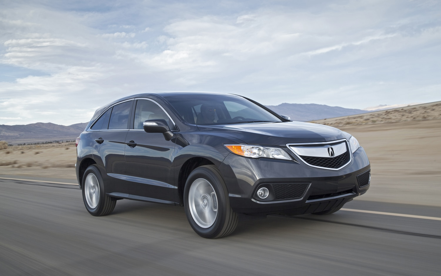 2013 Acura RDX Front Right Side View1