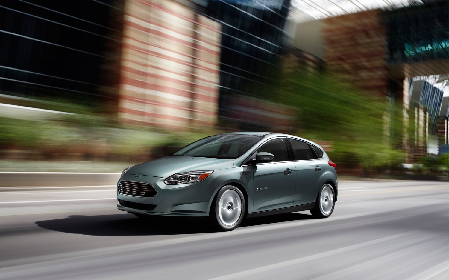 2012 Ford Focus Electric Front Left Side View1