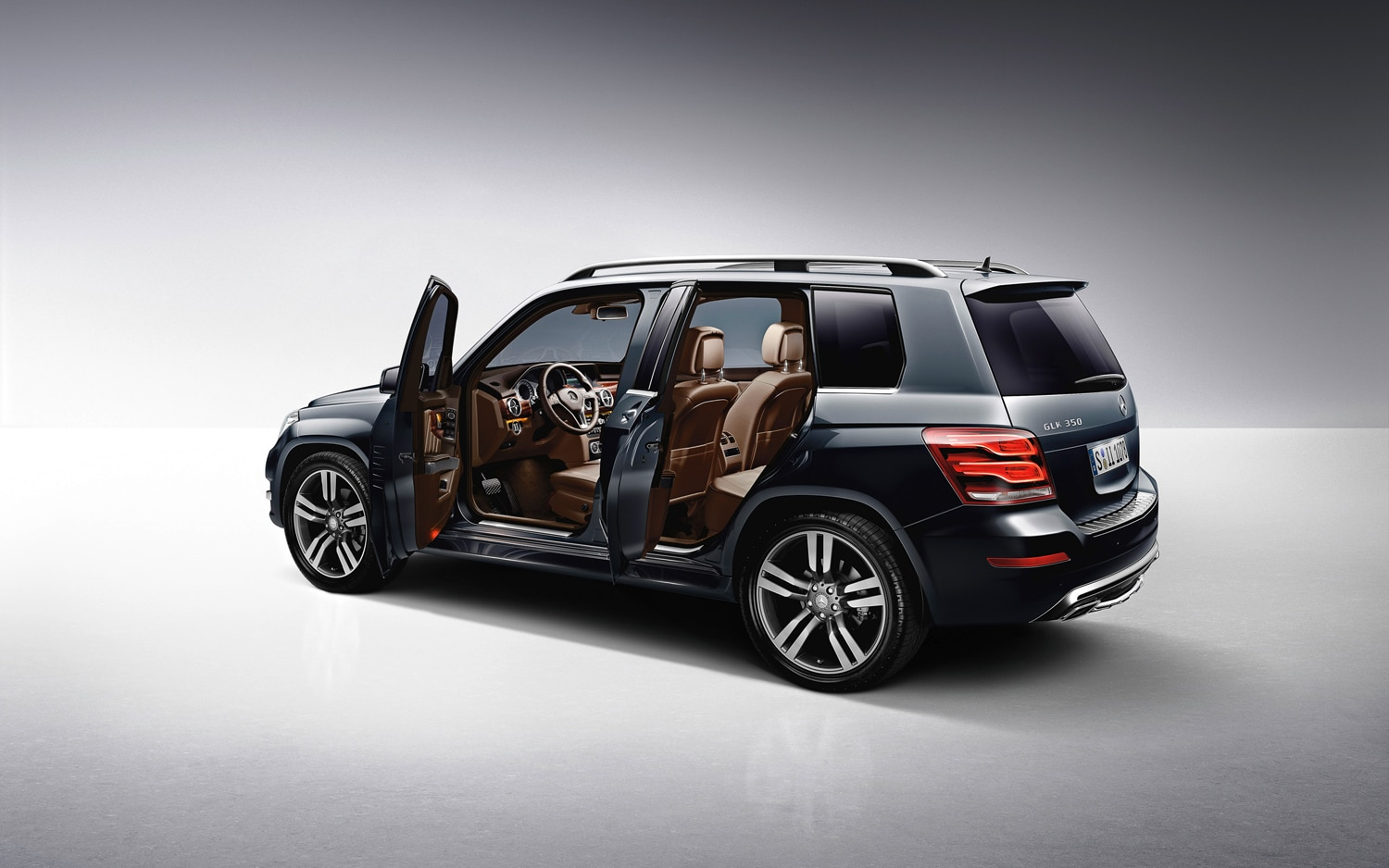 first drive 2013 mercedes benz glk automobile magazine. Black Bedroom Furniture Sets. Home Design Ideas