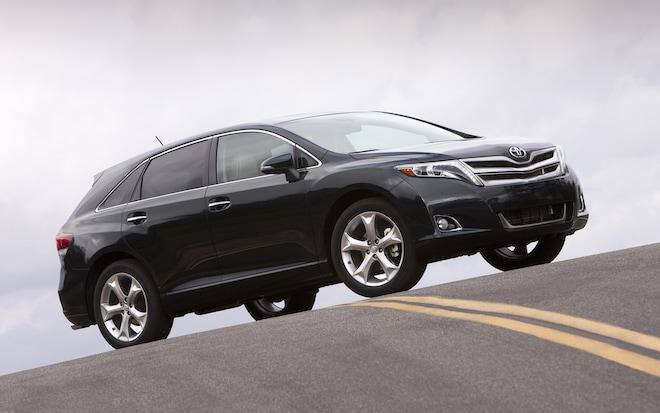 2013 Toyota Venza Front Three Quarter11