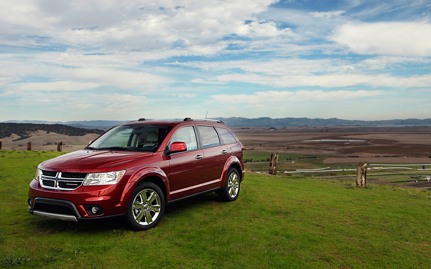 Dodge Journey Front Three Quarter on 2015 Dodge Sedan