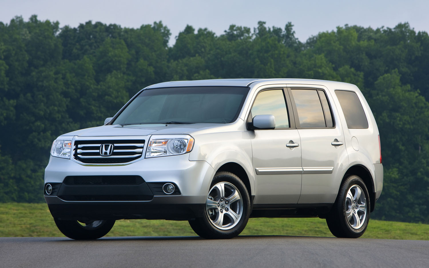 2012 honda pilot 4wd touring editors 39 notebook automobile magazine. Black Bedroom Furniture Sets. Home Design Ideas