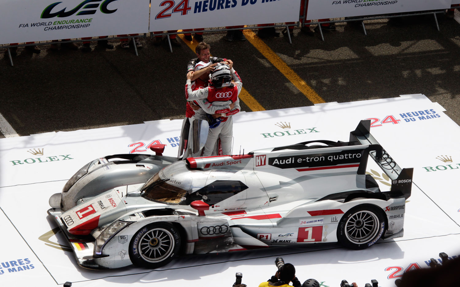 audi continues decadelong le mans winning streak with
