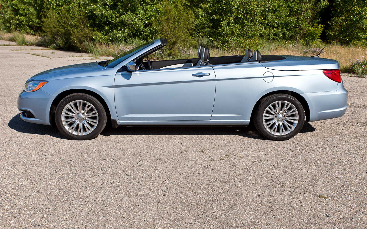 The Driving Position In Chrysler 200 Hardtop Convertible