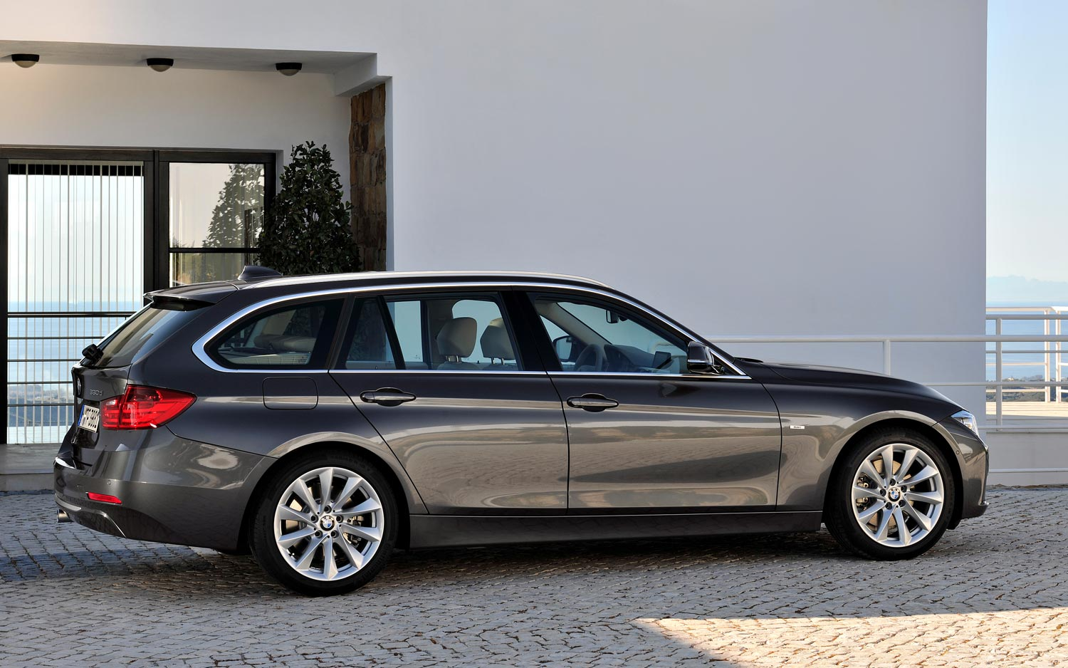 BMW Reveals Details On New US Spec 3 Series Wagon