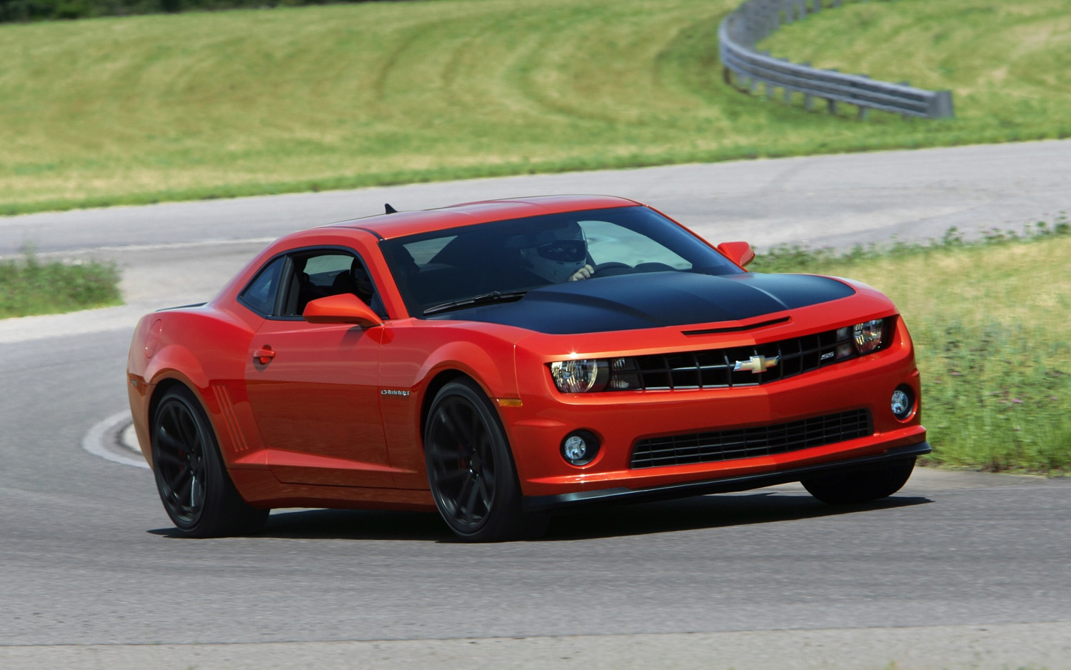 2013 Chevrolet Camaro 1LE Red Front Three Quarter 11