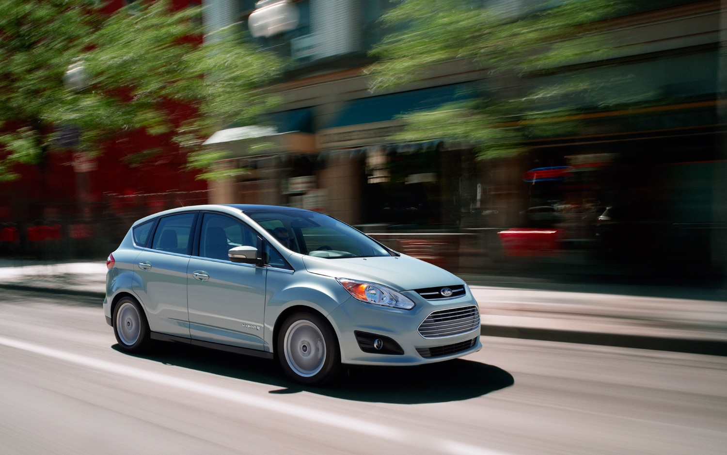 2013 Ford C Max Hybrid Front Right Side View 21