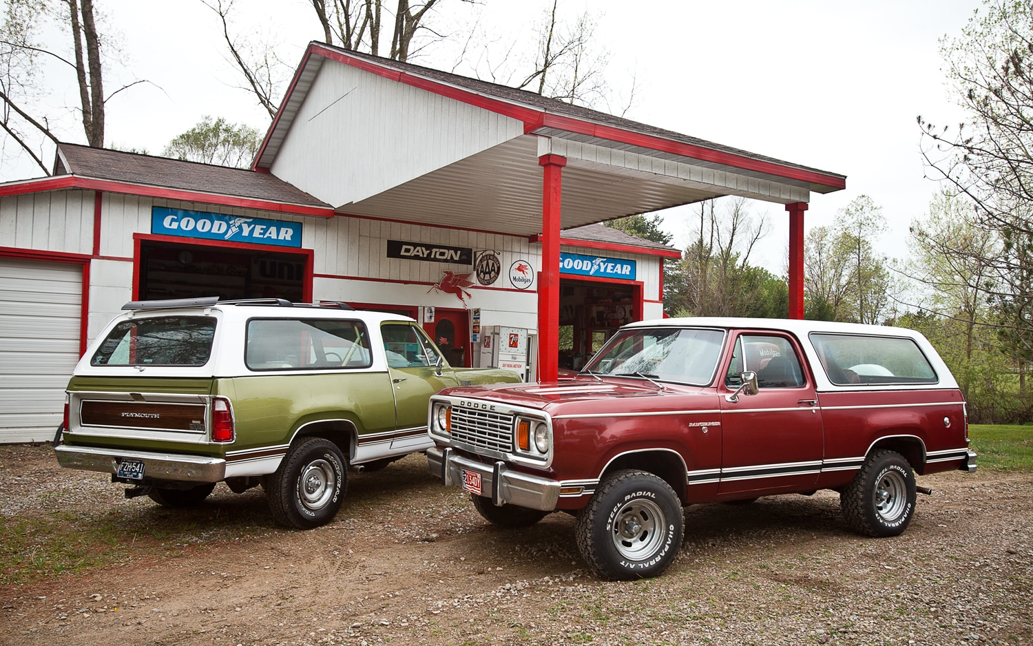 Dodge Ramcharger And Plymouth Parked on 1977 Dodge Power Wagon Base