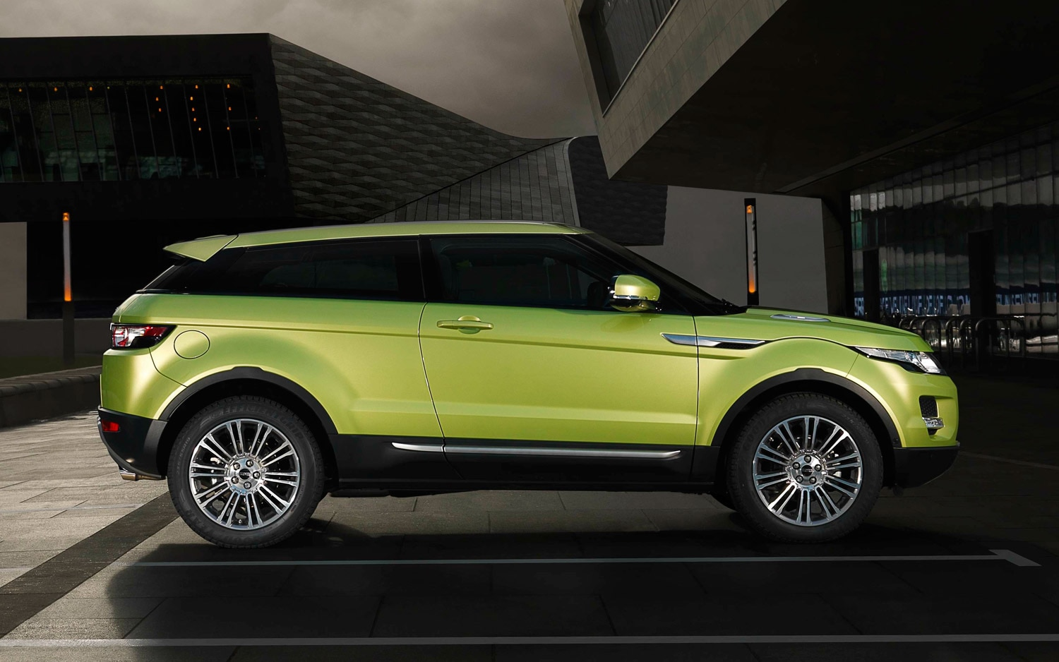 Baby Evoque? New Subcompact Crossover Could Appear in Future Land Rover Lineup