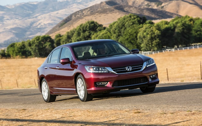 2013 Honda Accord EX L V6 Sedan Front Right View 21
