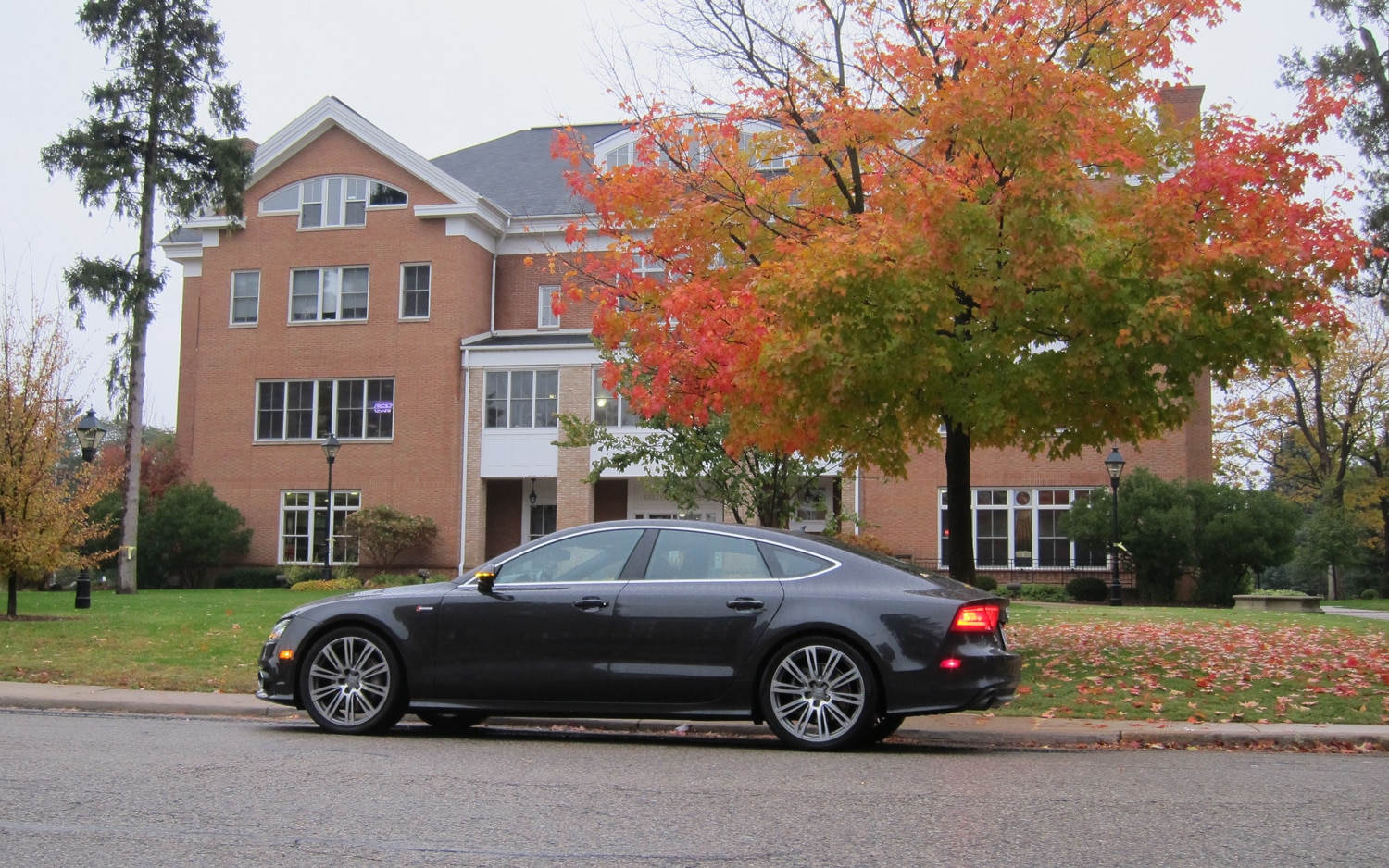 2012 Audi A7 Left Side View1