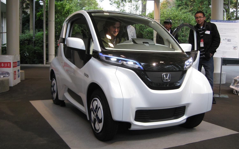 Honda Micro Commuter Prototype Front Three Quarter