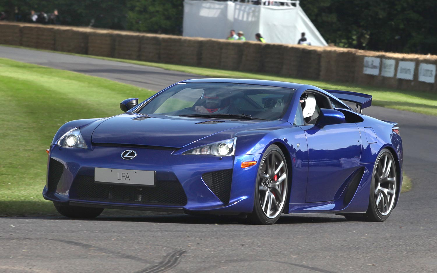That's All: Lexus Built Its 500th And Final LFA Supercar ...