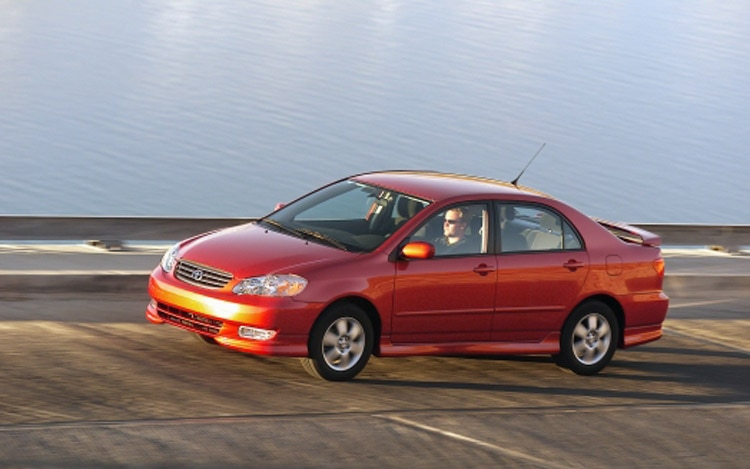 2003 Toyota Corolla S Front Three Quarter1