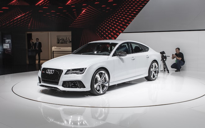 2014 Audi RS7 Front Three Quarters 21