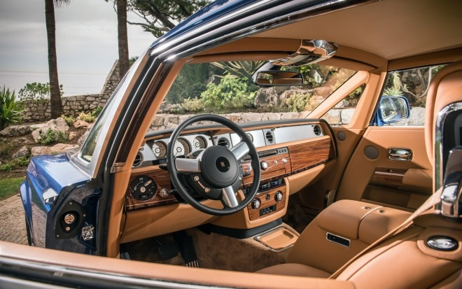 Rolls Royce Phantom Series II Coupe cockpit