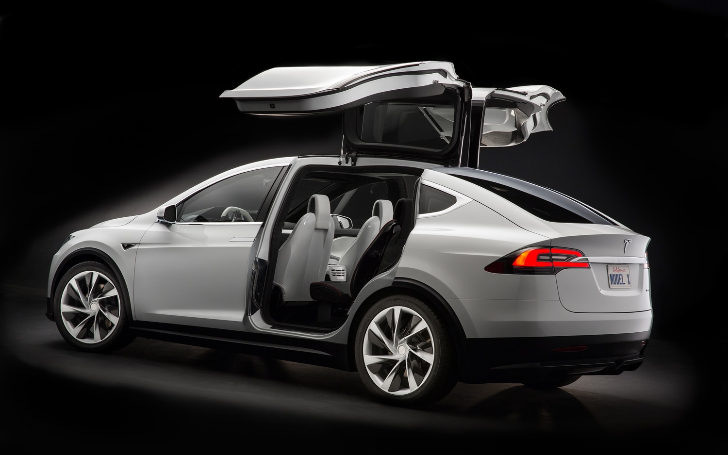Tesla Model X Falcon Doors1