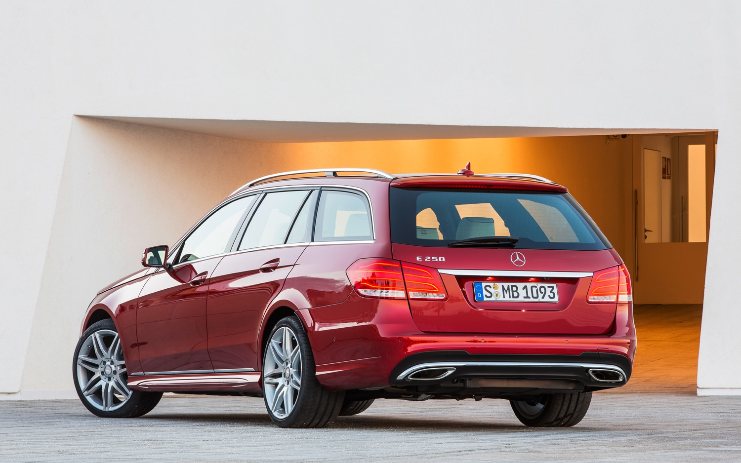 Report: Mercedes-Benz Replacing E550 With Twin-Turbo V-6