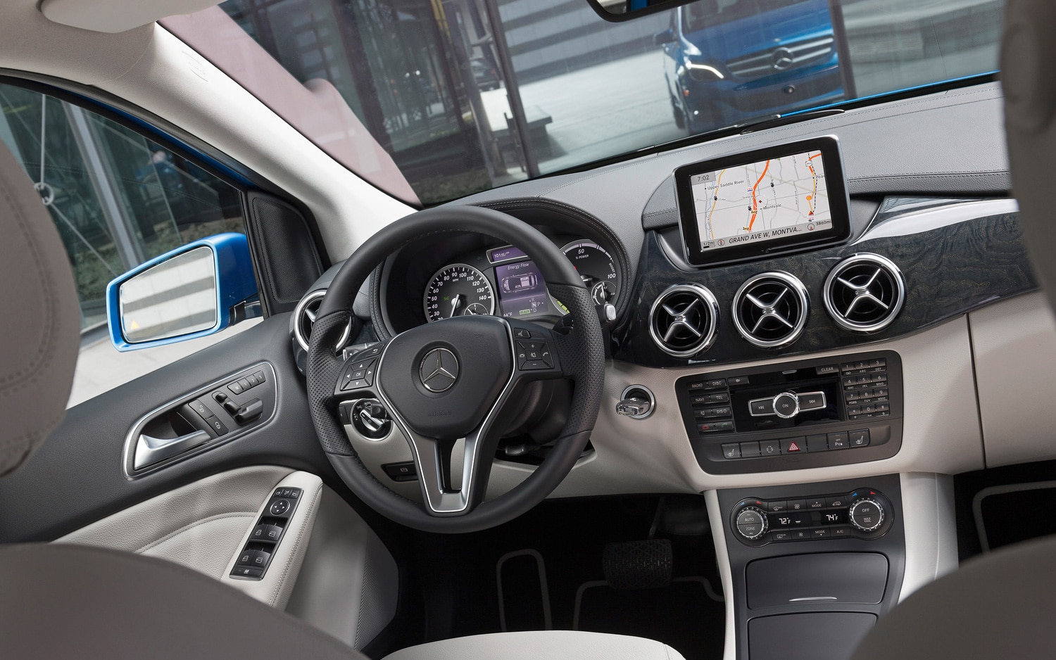 2013 new york 2014 mercedes benz b class electric drive coming to u s