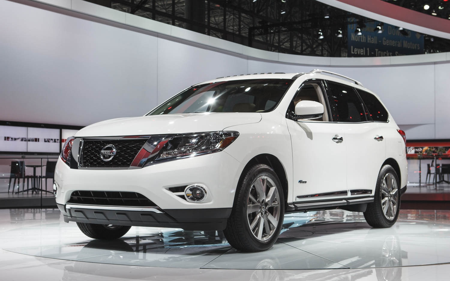 2014 Nissan Pathfinder Hybrid First Look - Automobile Magazine