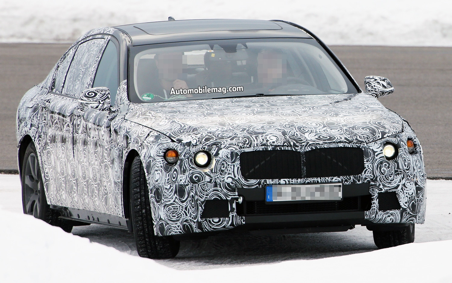BMW 7 Series Spy Shot Right Front 41