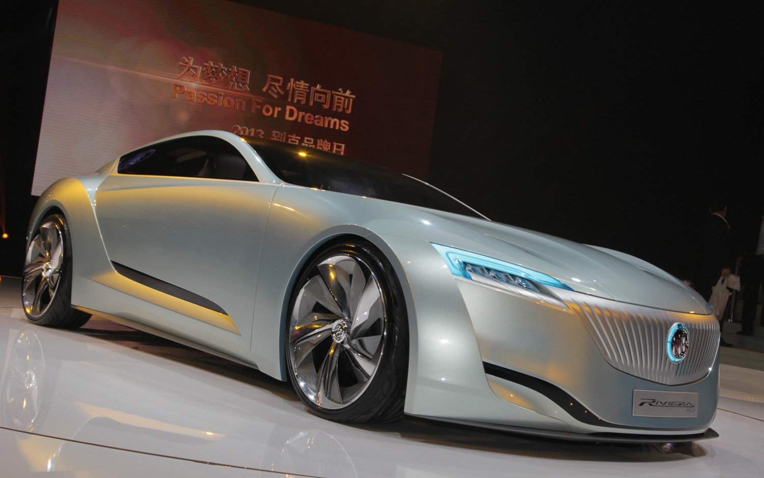 shanghai 2013  new buick riviera concept revealed