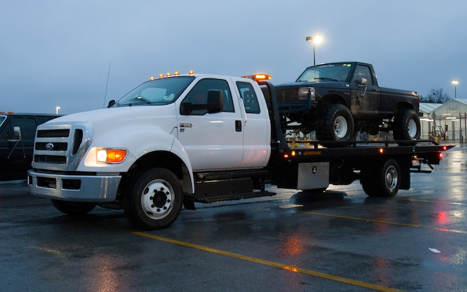 2013 Ford F 650 Tow Truck Side View1