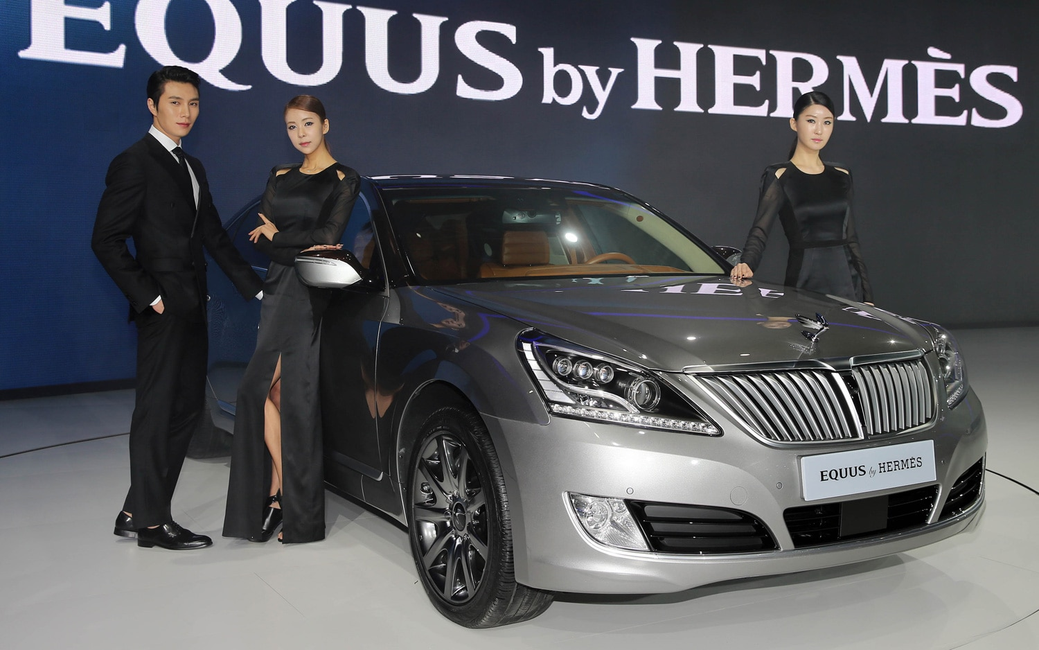 Hyundai Equus By Hermes Right Front 11