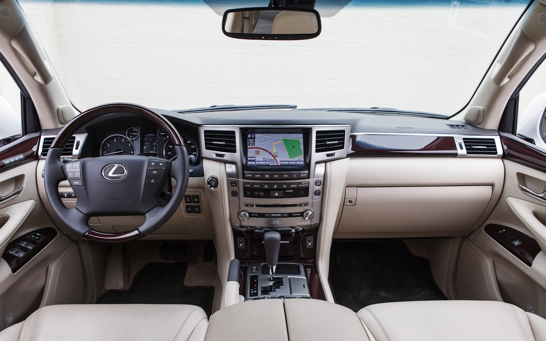 https://st.automobilemag.com/uploads/sites/11/2013/05/2013-Lexus-LX570-dash-15.jpg