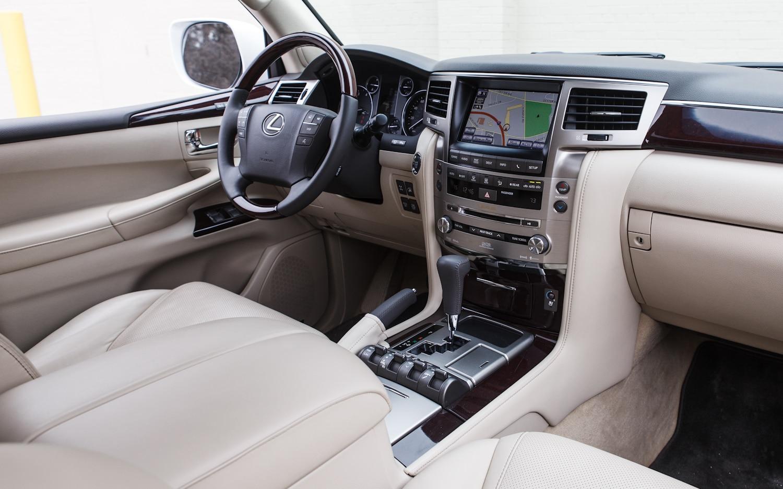 https://st.automobilemag.com/uploads/sites/11/2013/05/2013-Lexus-LX570-front-interior-14.jpg