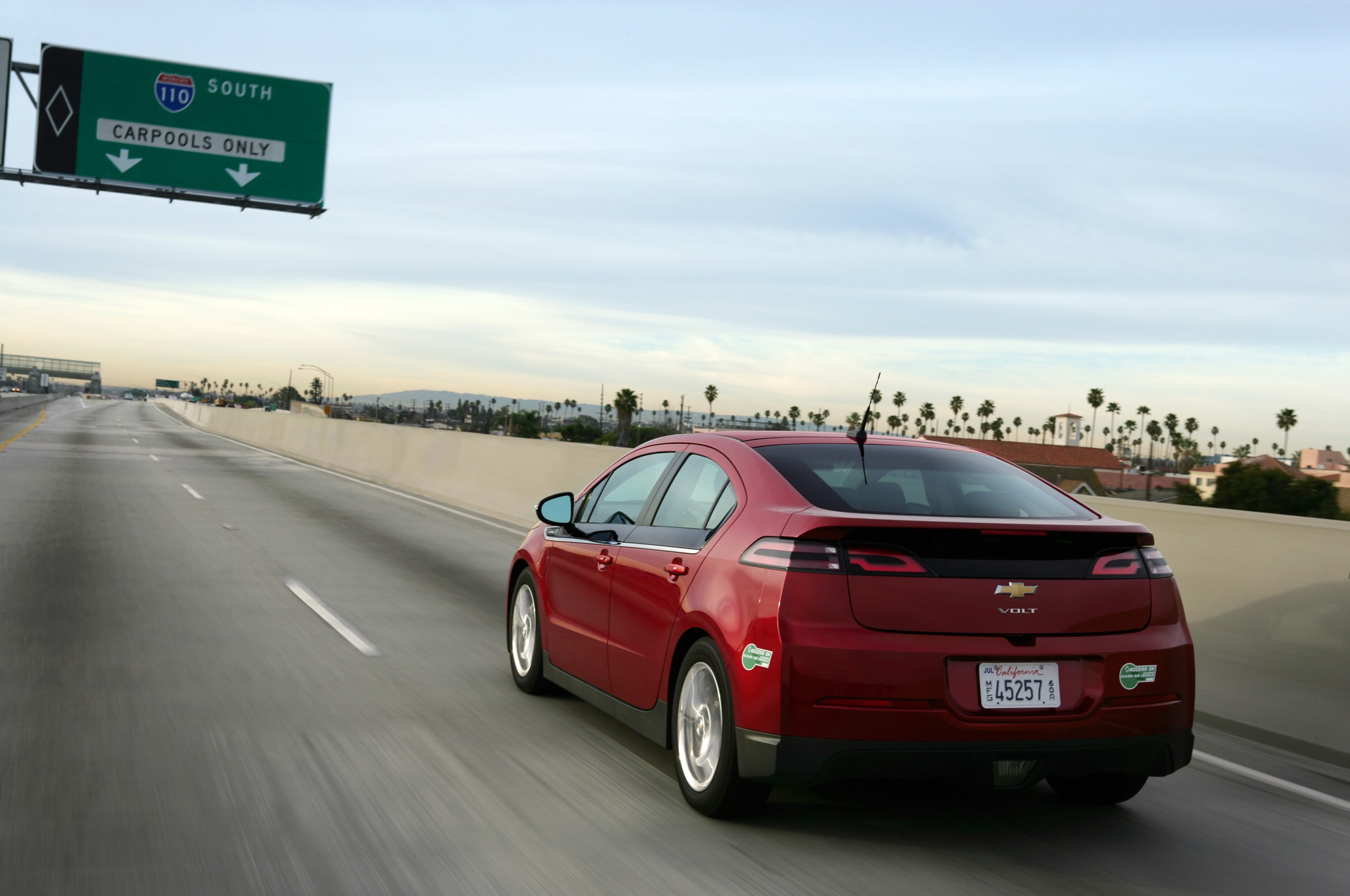 2014 Chevrolet Volt Rear Three Quarters1