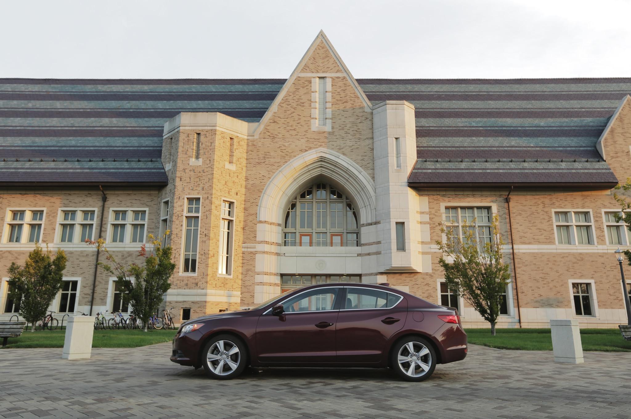 2013 Acura ILX Profile View1