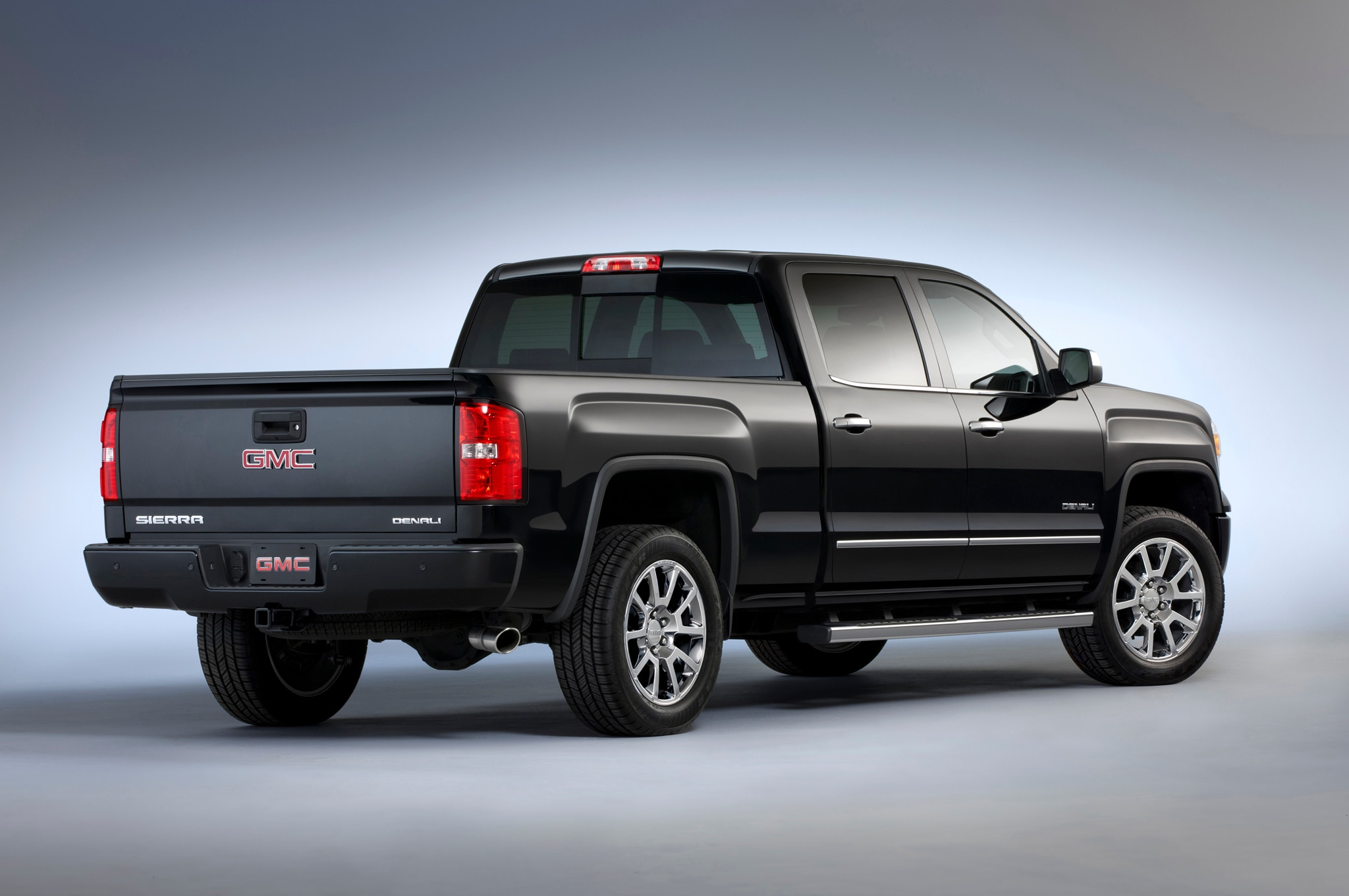 2014 Chevrolet Silverado and GMC Sierra 6.2L V-8 Rated For ...