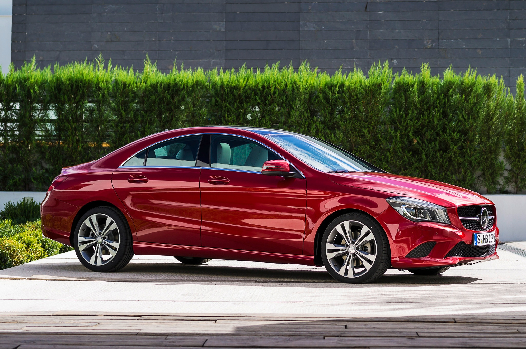 2014 Mercedes Cla250 Front Three Quarters1