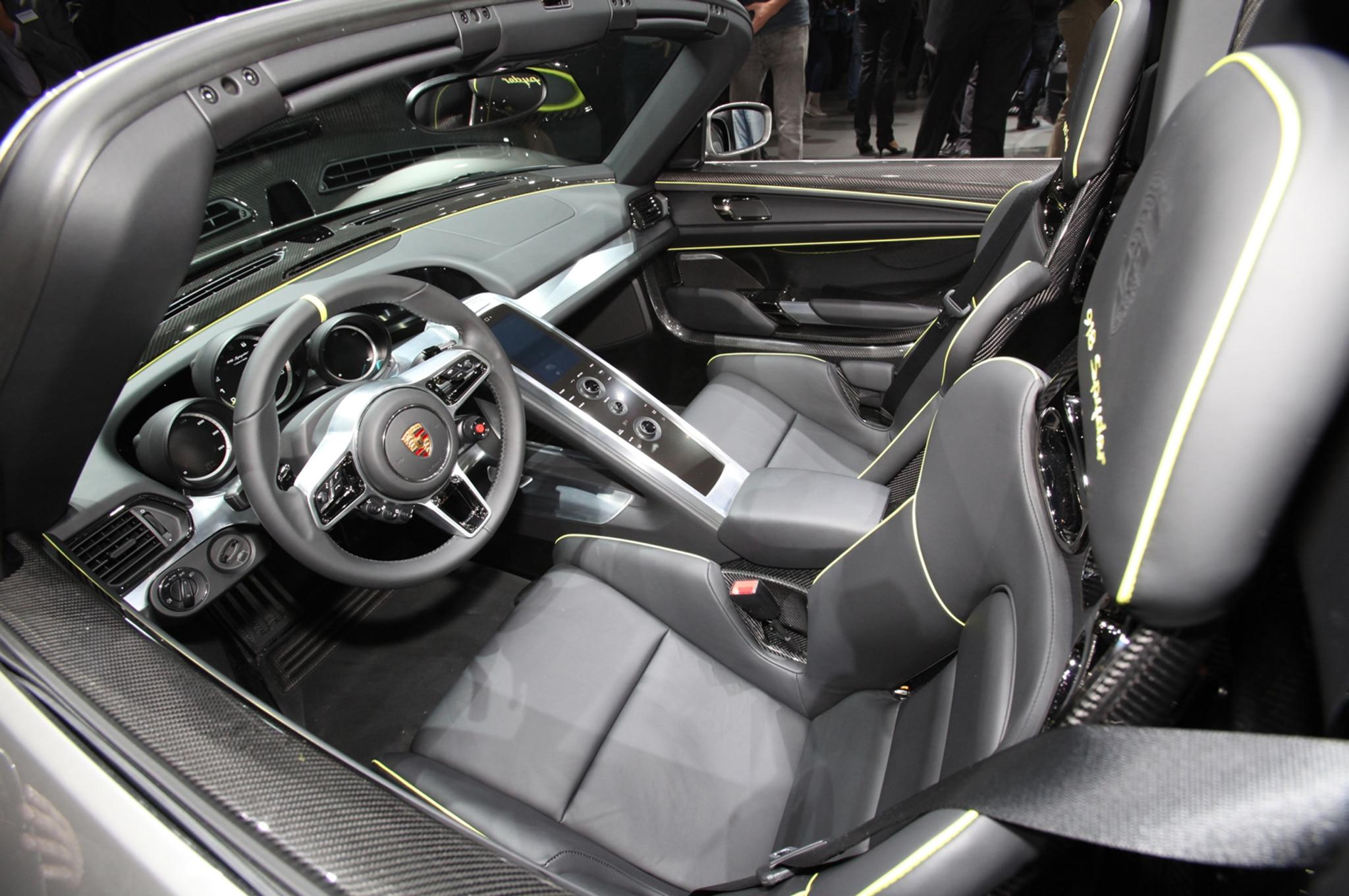 2015 Porsche 918 Spyder Production Details  Porsche 918 Spyder 2015 Interior
