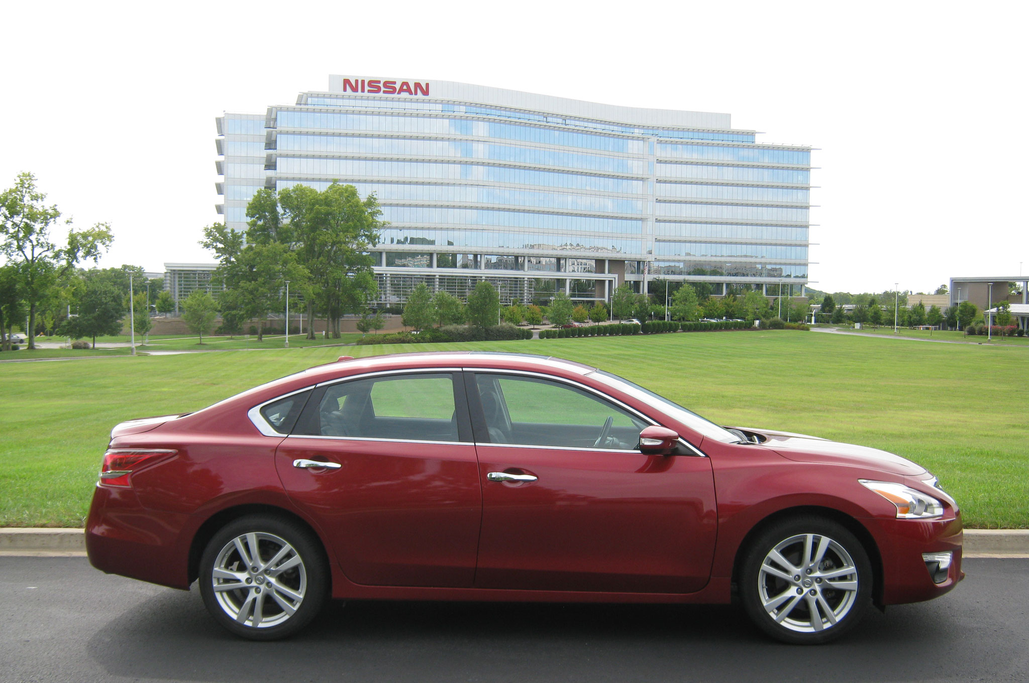2013 Nissan Altima 3 5 SL Right Side View 21