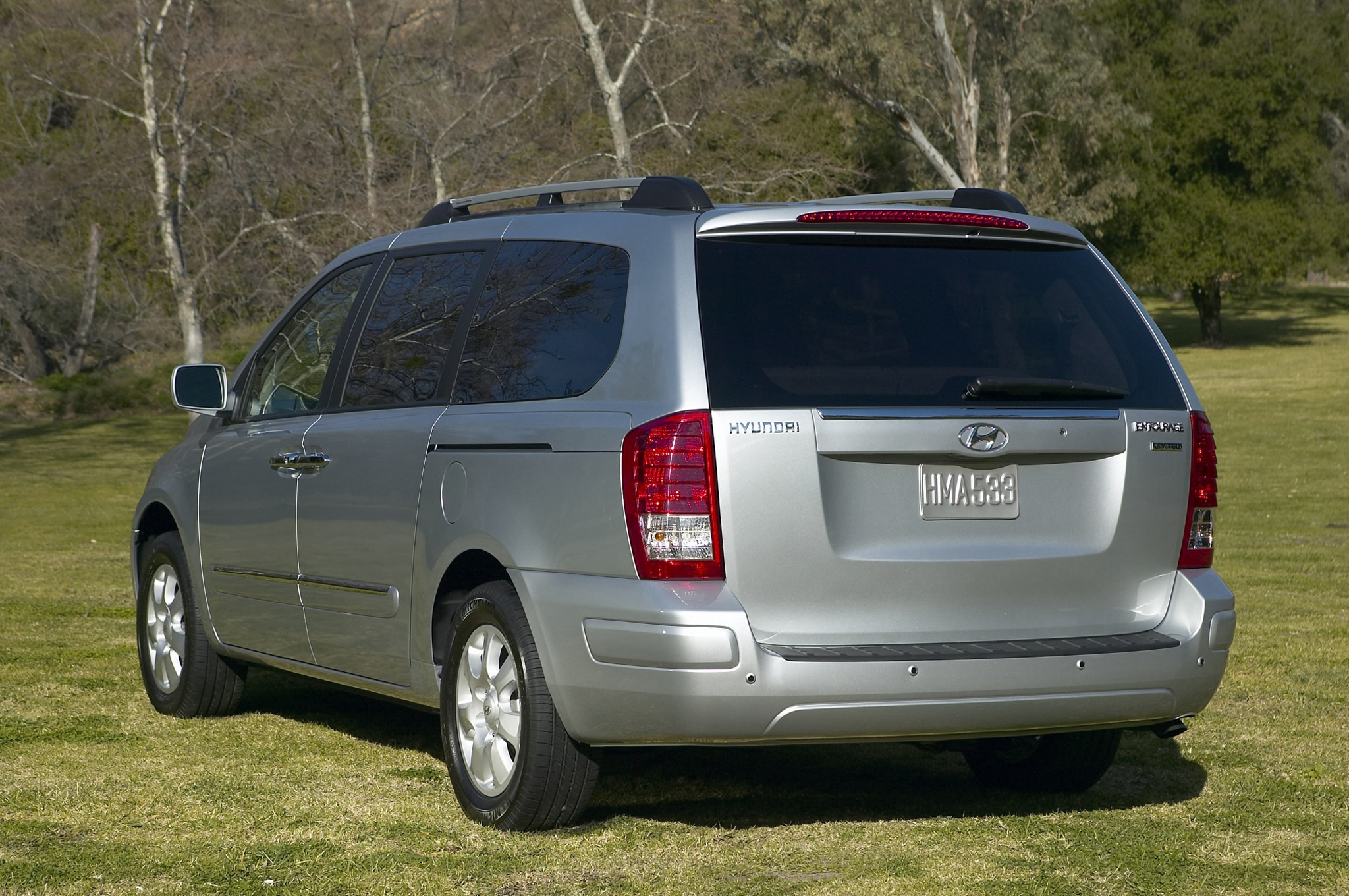 2007 2008 Hyundai Entourage Recalled For Rusting Suspension