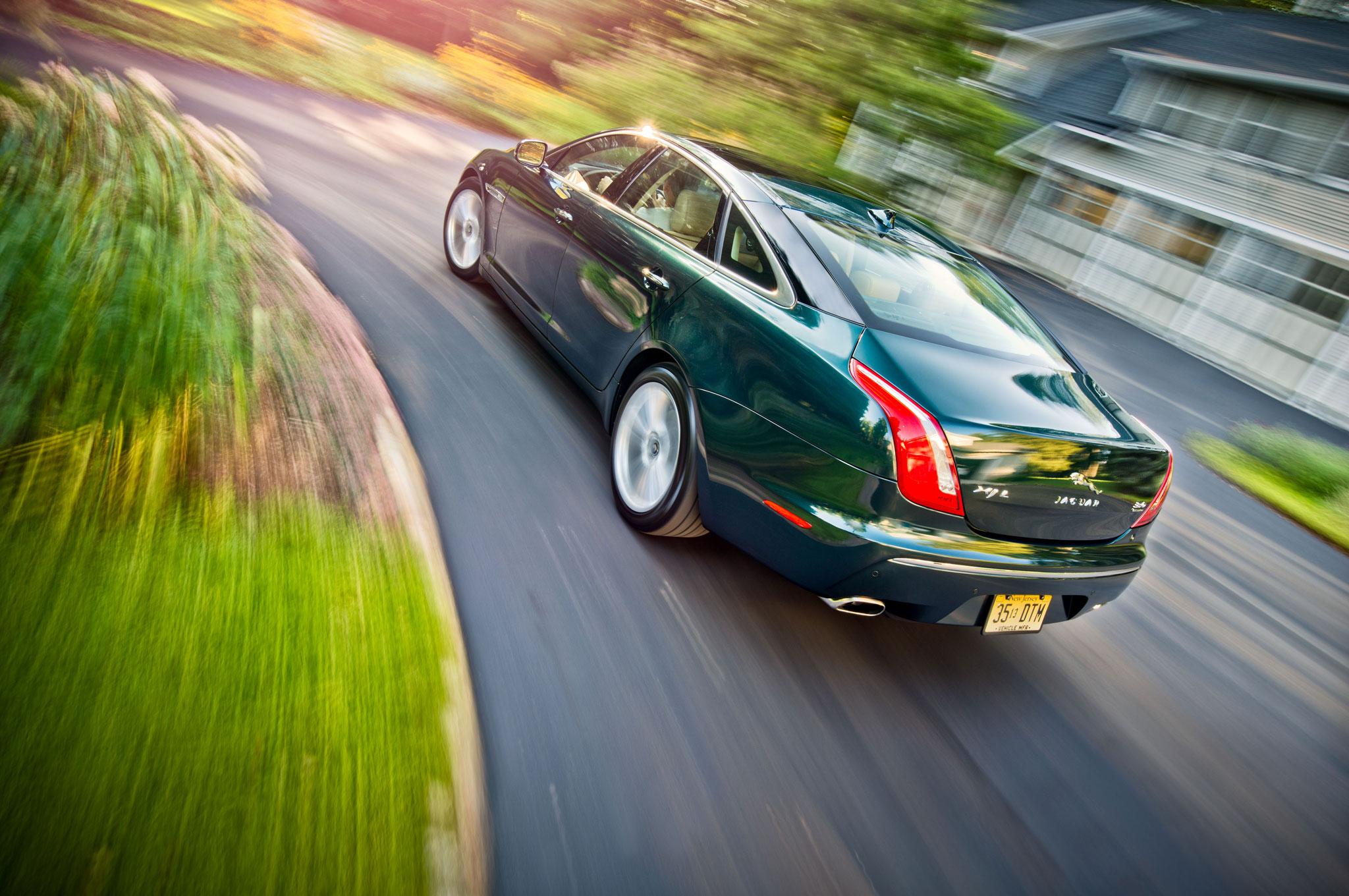 2013 Jaguar Xjl Portfolio Awd High Style In The Backseat