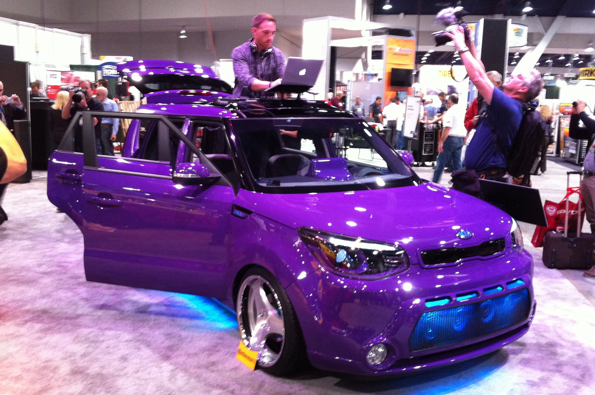 SEMA 2013: 2014 Kia Soul Concepts Feel The Music