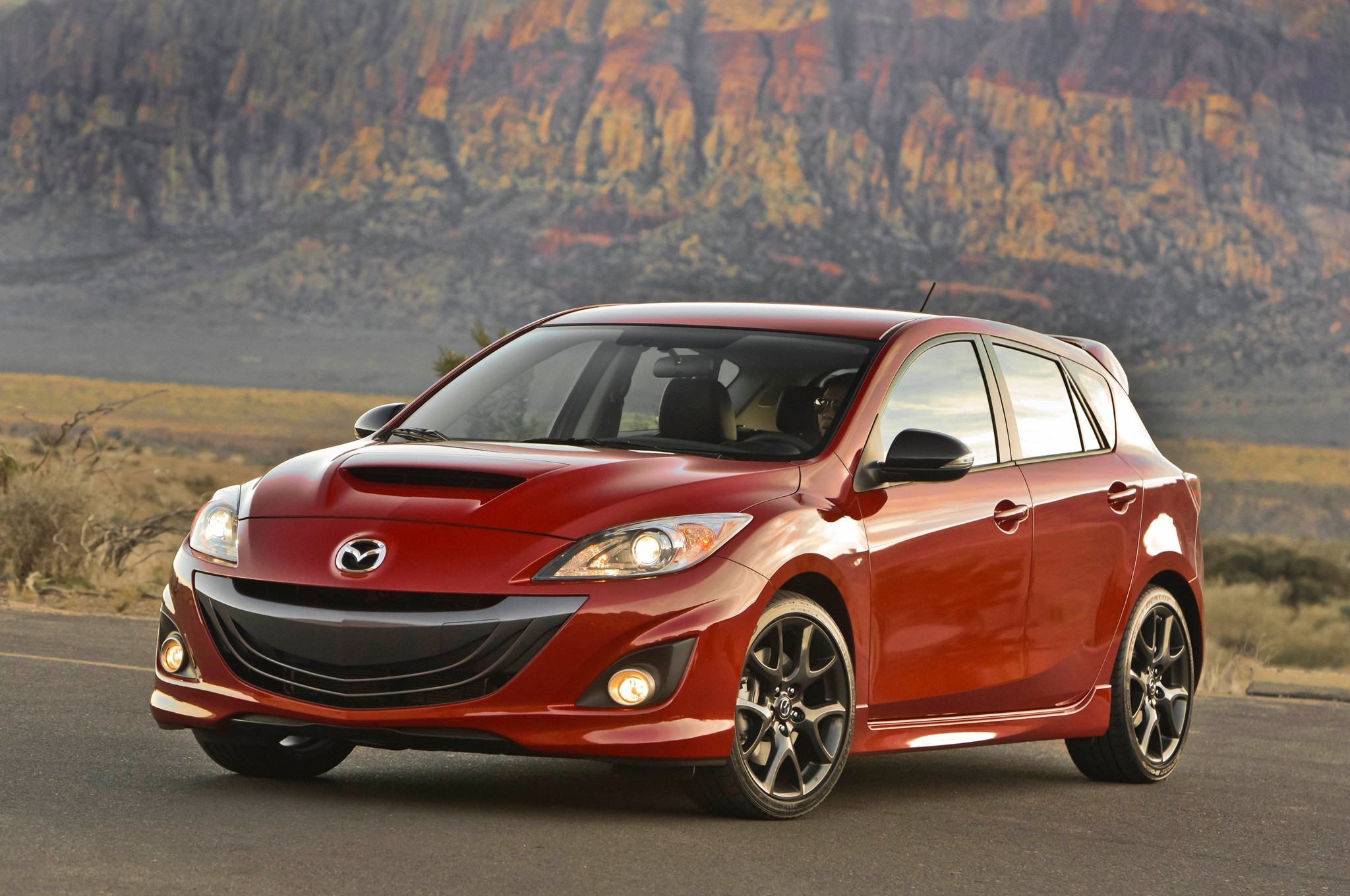 2013 Mazda MAZDASPEED3 Front Three Quarters 11