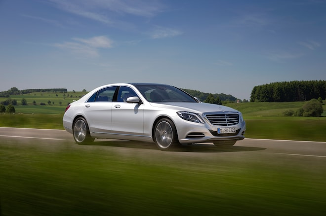 2014 Mercedes Benz S550 Front Three Quarter In Motion 021