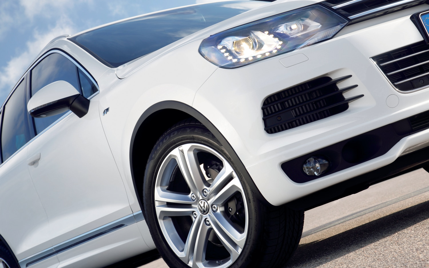 2014 Volkswagen Touareg X Special Edition Priced at $57,080