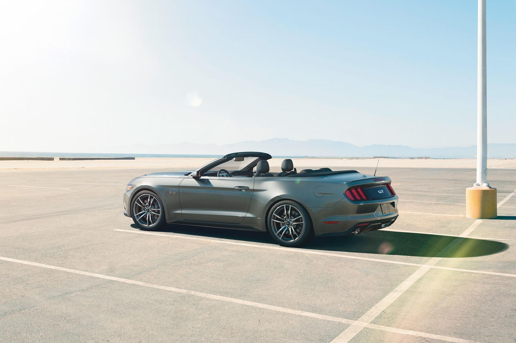 2015 Ford Mustang Convertible Rear Three Quarter1